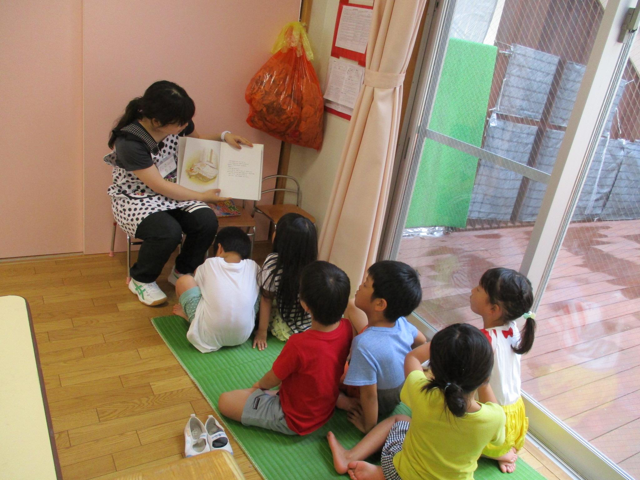 空組 ボランティアの学生さんが来てくれました!(5歳児)